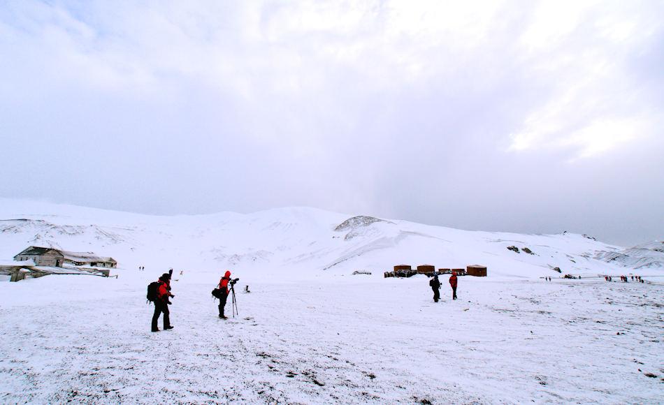 Die Antarktis verzaubert jedes Jahr einige tausend Menschen mit einer beinahe unberührten Natur und Tiererlebnissen. Damit dies auch so bleibt, setzt sich die IAATO seit Jahren für naturnahen und umweltverträglichen Tourismus. Bild: Michael Wenger