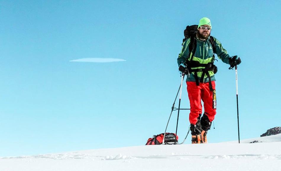 Auch dieses Bild sollte als Beweis dienen, dass Martin Szwed auf dem Weg zum Südpol war. Aber am Tag der Datierung sass er im Flieger aus der Antarktis nach der Besteigung des Mt. Vinson. Foto: martin-szwed.com