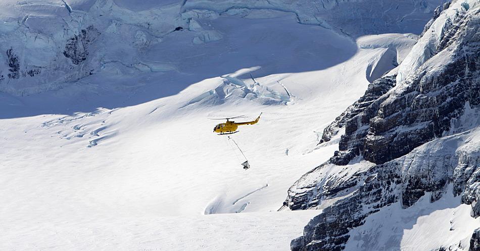 Das Projekt des SGHT zur Entfernung der Nagetiere aus Südgeorgien kann aufgrund der Dimensionen nur durch den Einsatz von Hubschraubern erfolgreich durchgeführt werden und ist entsprechend kostspielig. © SGHT